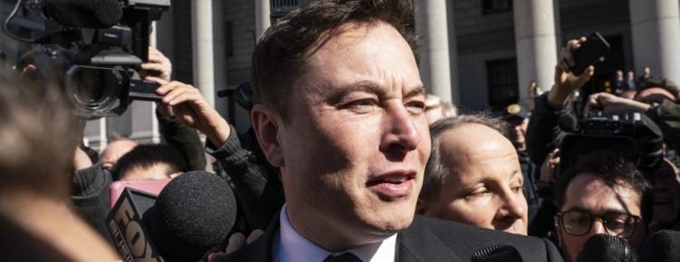Акционер Tesla потребовал компенсировать ущерб, нанесённый компании бесконтрольными твитами Илона Маска
