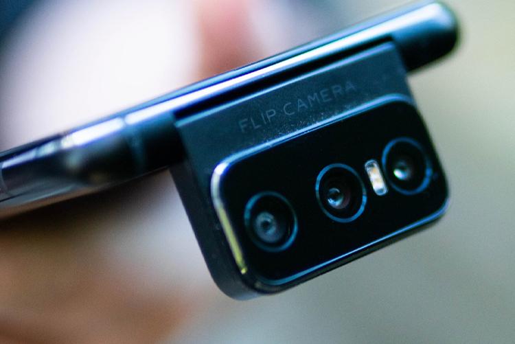 Google случайно раскрыла подготовку ряда смартфонов от разных производителей