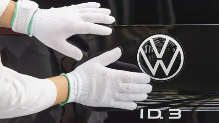 Volkswagen построит в Европе шесть крупных аккумуляторных заводов к 2030 году для обеспечения электрокаров