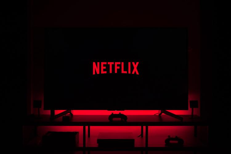 Количество подписок на Netflix, Disney+ и прочие потоковые сервисы перевалило за 1 млрд благодаря пандемии