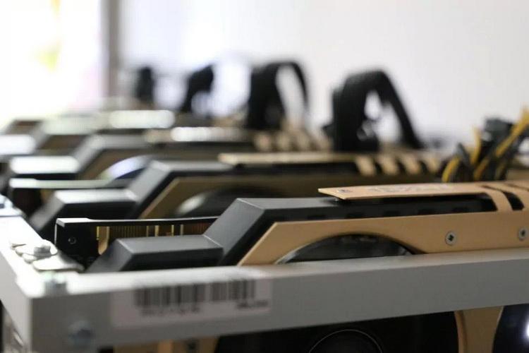 Майнинговая компания Hut 8 закупила специализированные видеокарты NVIDIA CMP HX на $30 млн