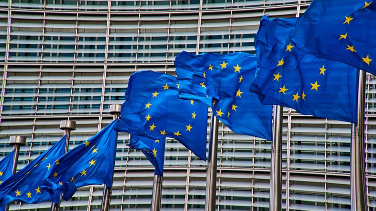 ЕС необходимо инвестировать €300 млрд в 5G, чтобы оставаться конкурентоспособным