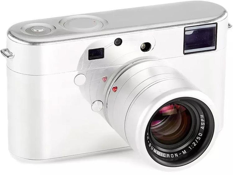 Прототип камеры Leica, разработанный Джони Айвом и Марком Ньюсоном, будет продан с молотка