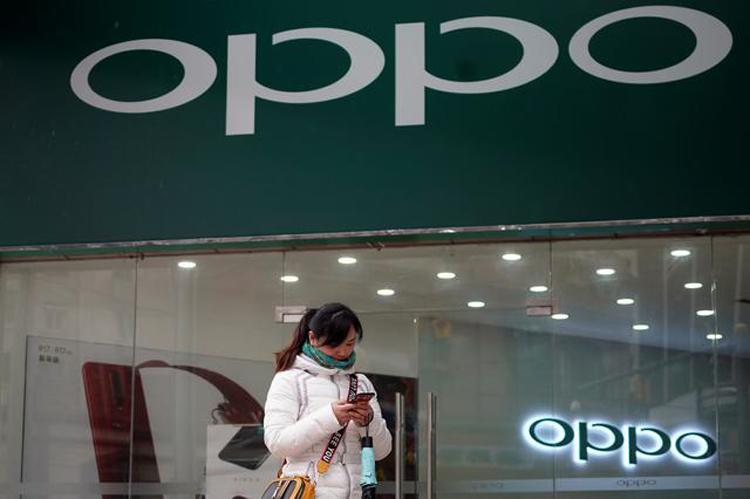 OPPO придумала необычный контроллер для мобильных игр и смартфон с подсоединяемым экраном