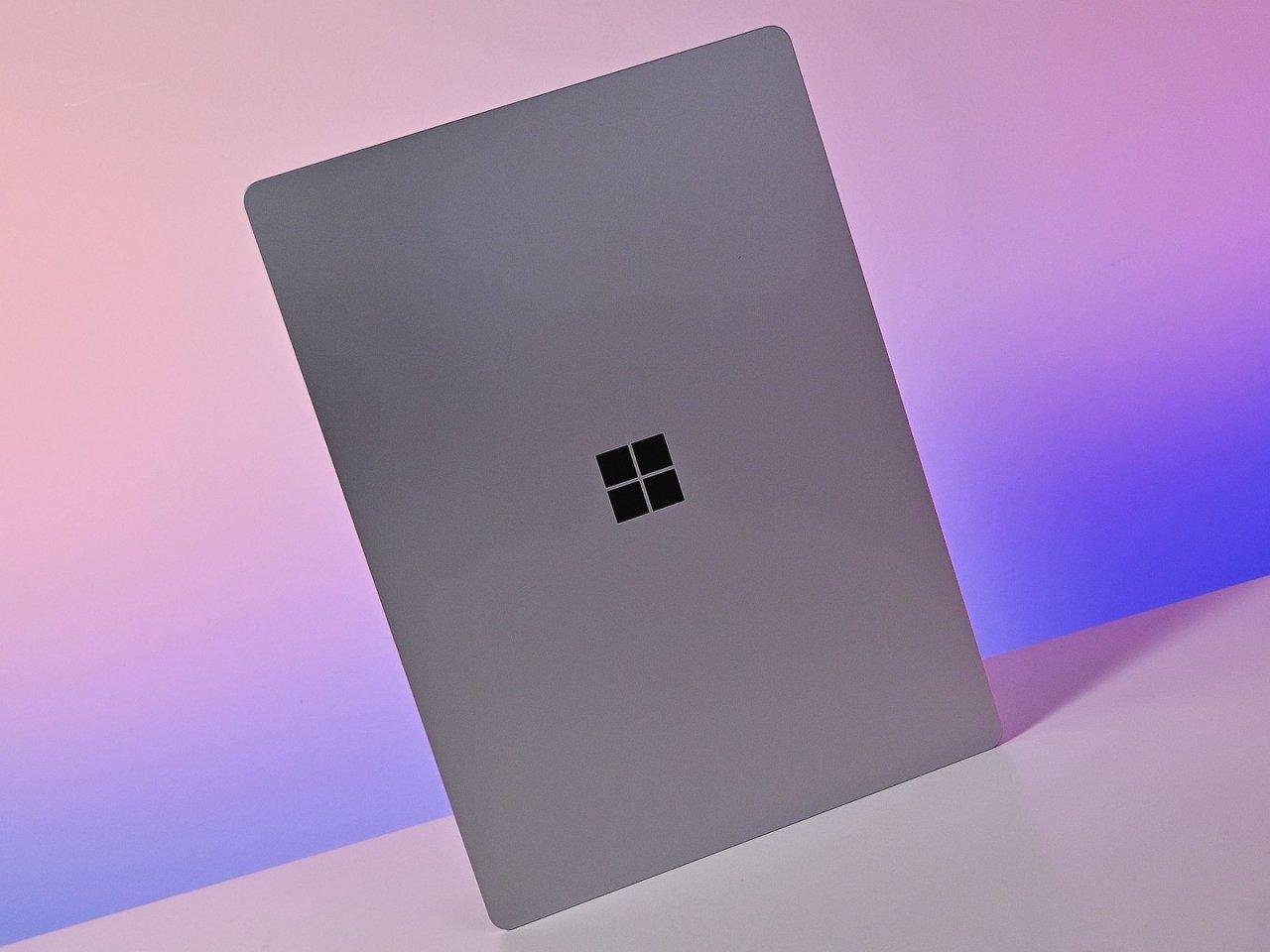 В сеть утекли фотографии Surface Pro 8 и Surface Laptop 4