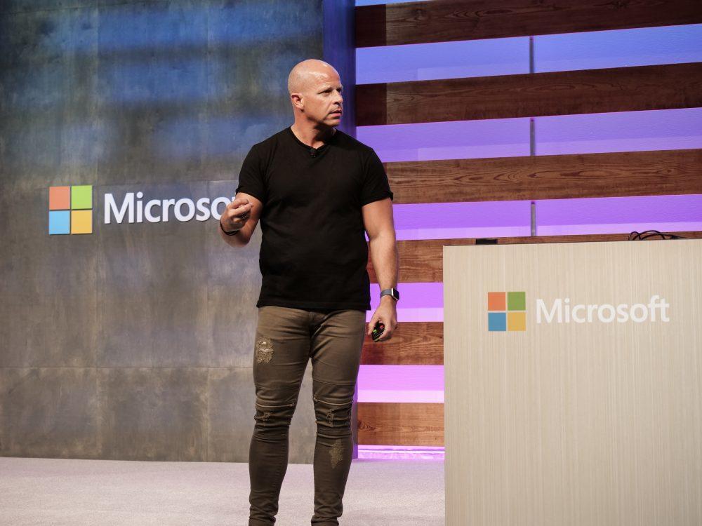 Корпоративный вице-президент Microsoft Брэд Андерсон покидает компанию