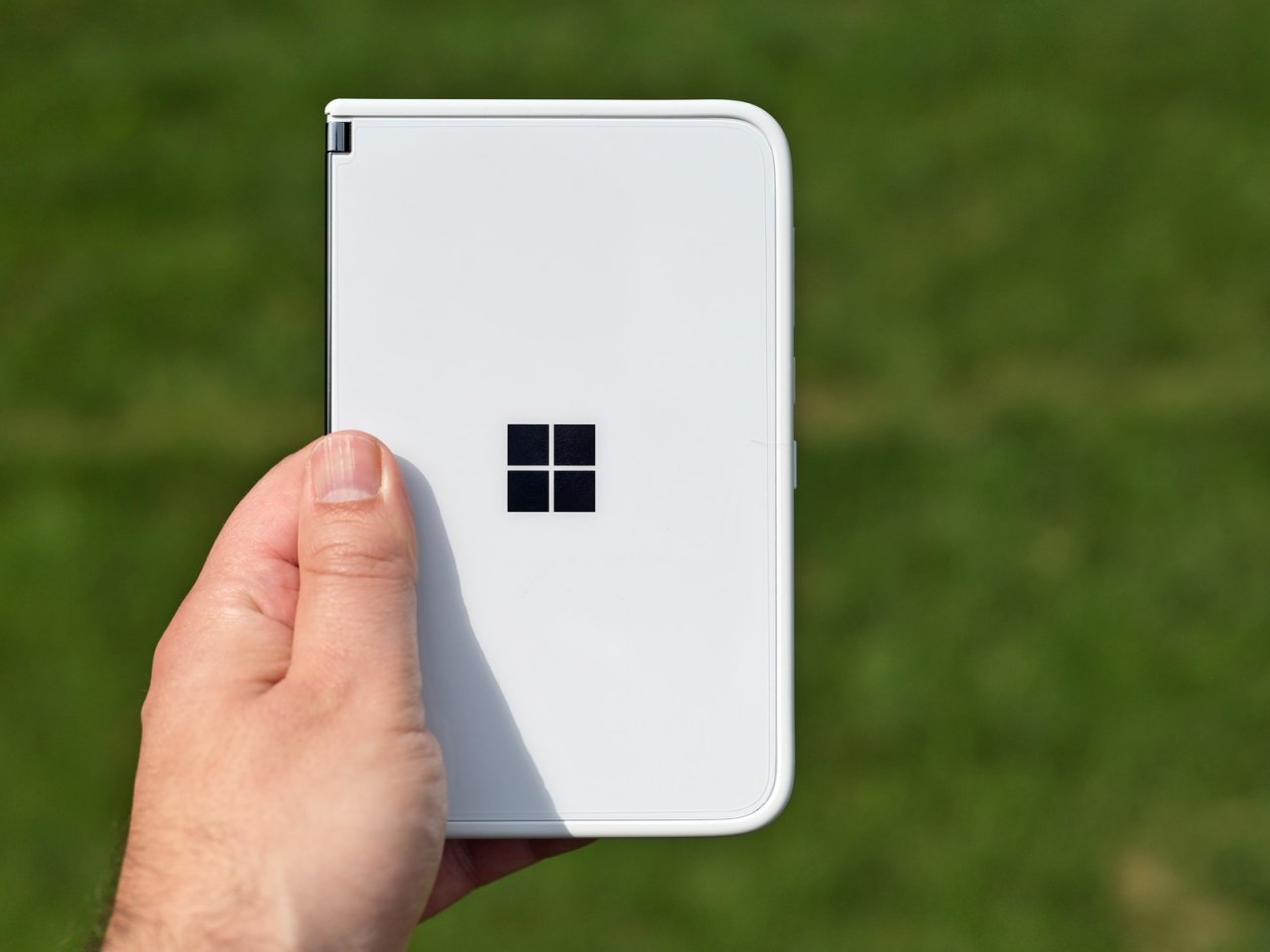 Surface Duo 2 исправит ключевые проблемы оригинальной модели