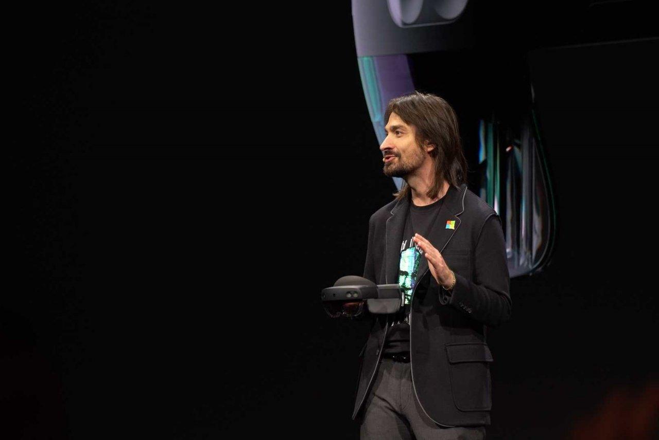 Microsoft Mesh — новая платформа для взаимодействия в смешанной реальности