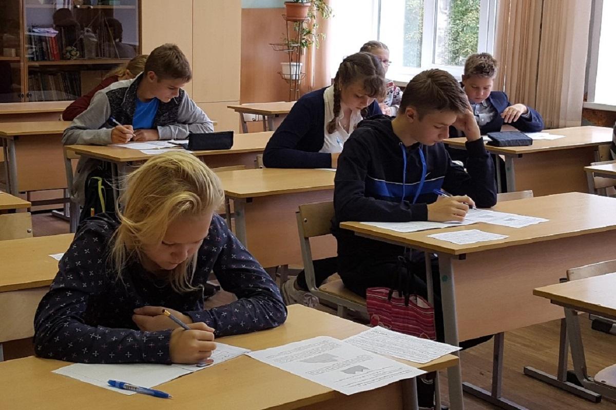Безопасность учреждений образования обсудили в Правительстве Тверской области