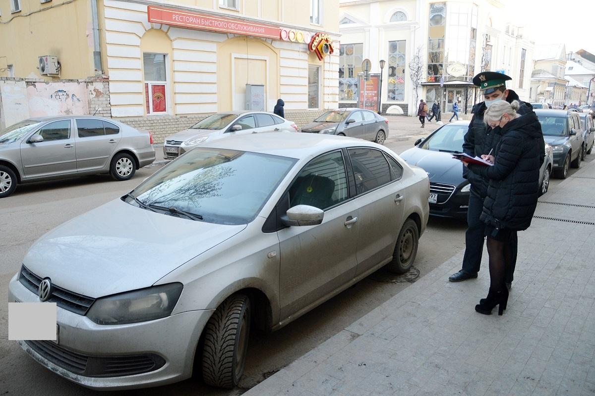 В Твери арестован автомобиль с долгом за парковку в 46 тысяч рублей