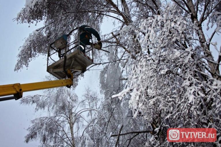 Энергоснабжение большинства населенных пунктов Тверской области восстановлено