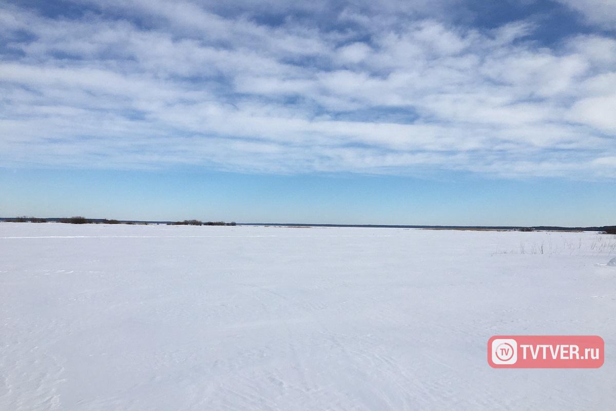 Лед на водоемах Тверской области достигает толщины 60 сантиметров