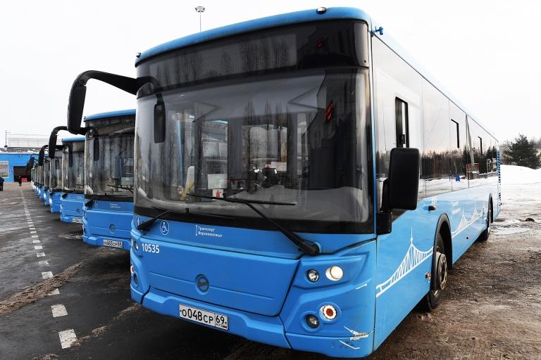 Закрыта сделка по финансированию поставки синих автобусов для Твери между ВЭБ.РФ и Сбером
