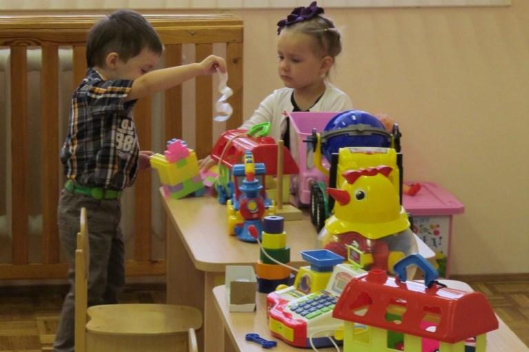 В нерабочие дни майских праздников в детских садах и школах Твери будут работать «дежурные группы»