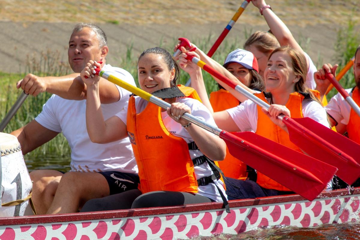 Советник Президента и руководитель тверских добровольцев поддержали участников фестиваля гребли