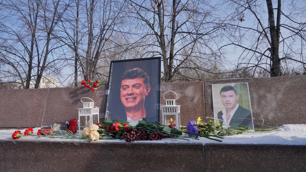В Екатеринбурге проходит вахта памяти Бориса Немцова. Фоторепортаж