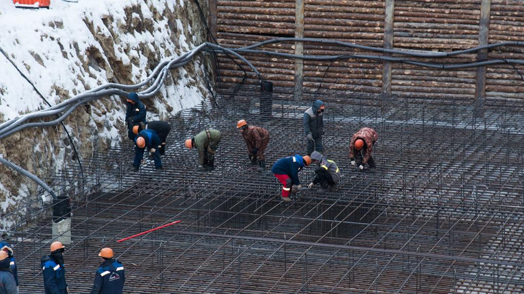 Поток мигрантов в Свердловской области сократился в 4 раза. Кому не хватило рабочих рук