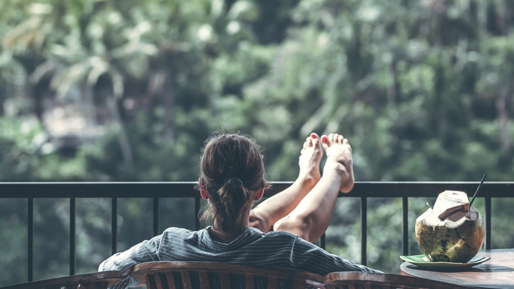 Зачем нужно утеплять балкон или лоджию