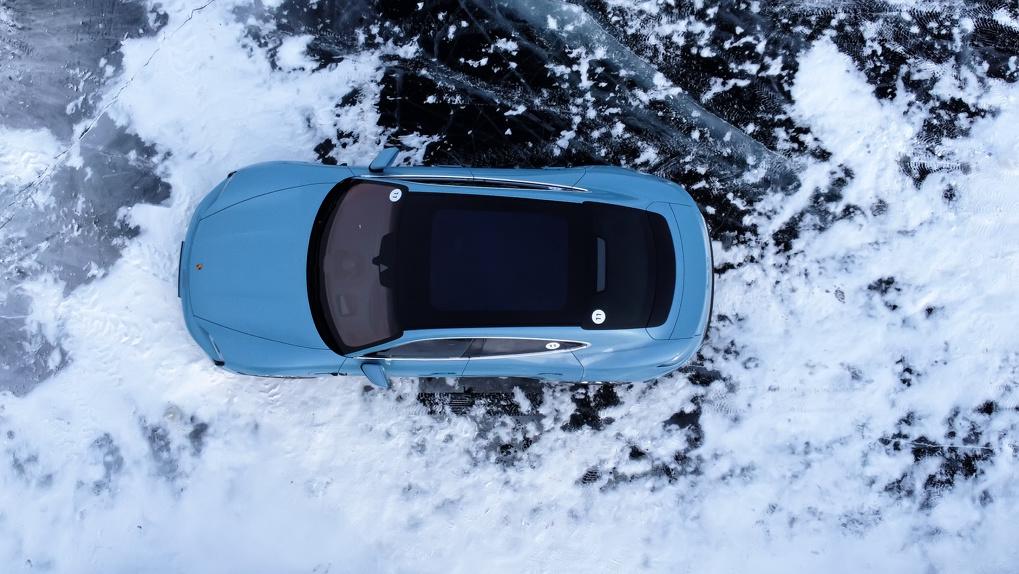 Мы взяли электромобили Porsche и поехали в Сибирь на лед Байкала. Что из этого вышло