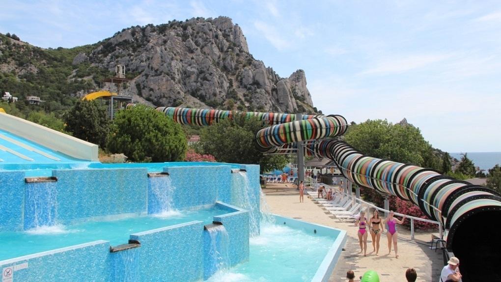 Где отдохнуть в Ялте: замечательный комплекс водных развлечений — аквапарк «Симеиз»