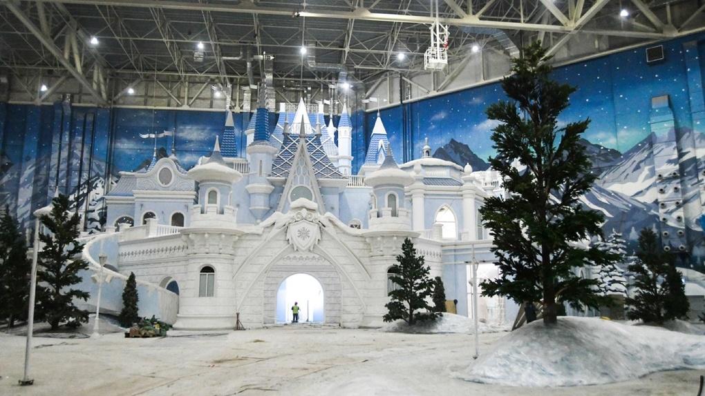 На краю Екатеринбурга в 2,5 км друг от друга хотят построить два разных «Диснейленда». Что о них известно