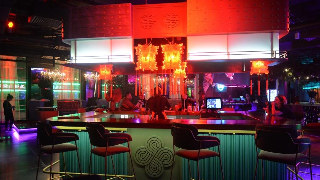 В Екатеринбурге перезапустили алкокластер BlaBlaBar. Фоторепортаж