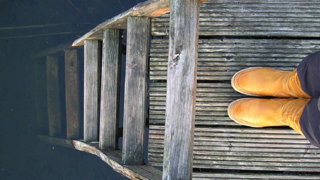 Как правильно покрасить старую обувь