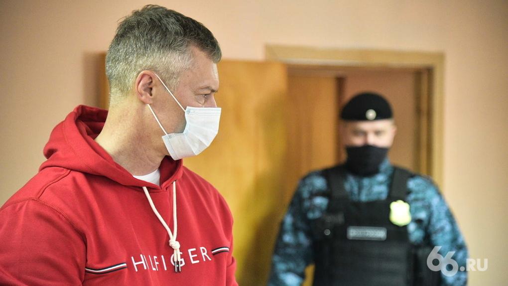 Еще раз — и срок? Что будет Евгению Ройзману, если его снова будут судить за участие в марше Навального