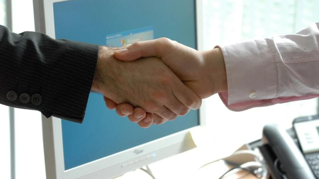 Банк УРАЛСИБ и биржа грузоперевозок АТИ заключили соглашение о сотрудничестве по поддержке малого бизнеса