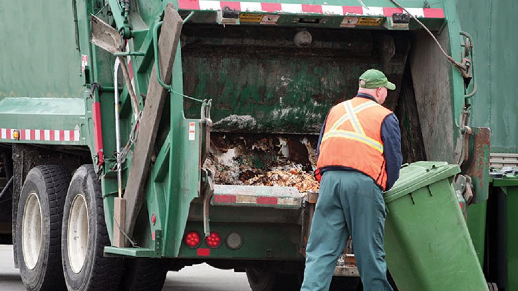 Как решить проблему с вывозом мусора на предприятии или в частном доме