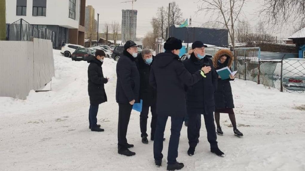 Евгений Куйвашев и Алексей Орлов объехали Екатеринбург без протокола и пресс-релиза. Маршрут
