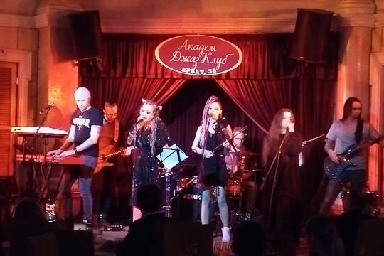 17 апреля Линда даст концерт в Академ Джаз Клубе