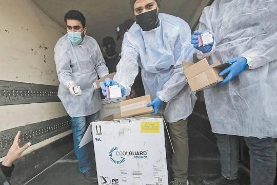 Вакцина от коронавируса уходит за рубеж, а не в российские регионы?
