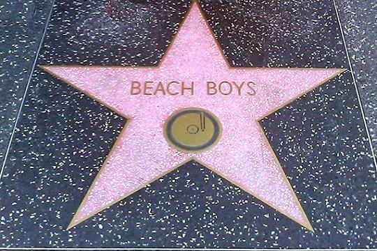 Альбому «Pet Sounds»и песне «Good Vibrations» солнечных поклонников серфинга The Beach Boys исполняется 55!