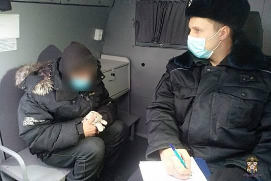 Омские полицейские задержали жителя города, расчленившего щенка электропилой