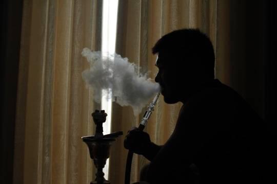 Названа главная опасность курения кальяна