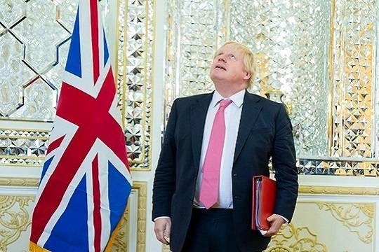 Отец британского премьера Джонсона решил стать гражданином Франции