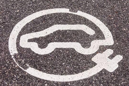Автомобильная революция во главе с Tesla реальна, но оценки отрасли оторваны от реальности