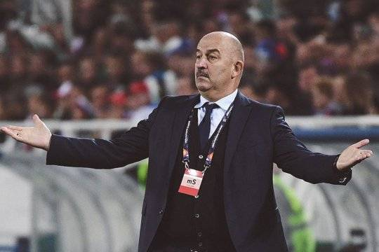 Черчесов объяснил поражение в матче со сборной Словакии