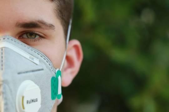 Число новых случаев заболевания COVID-19 в России за сутки составило почти 18 тысяч