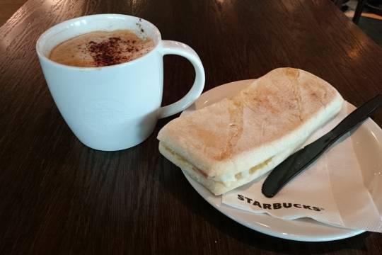 Диетолог рассказала о вредных для завтрака продуктах