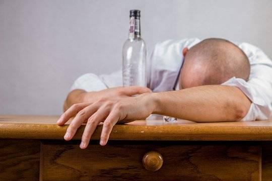 Глава Минздрава назвал причину смерти большинства мужчин в России