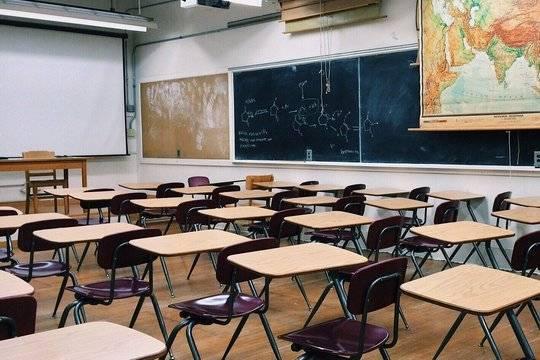 Глава Рособрнадзора заявил о недобросовестной выдаче медалей в школах