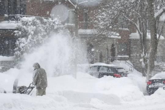 Губернатор Пензенской области Белозерцев отправил чиновников убирать снег