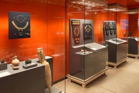 Крымские музейщики могут прозевать очередное заседание суда, посвященного судьбе скифского золота