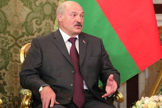 Лукашенко назвал условие проведения досрочных президентских выборов в Белоруссии
