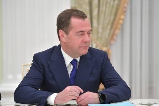 Путин назначил Медведева на еще одну должность