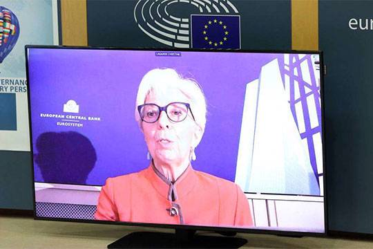 ФРС и ЕЦБ решили сами определять свои цели и задачи