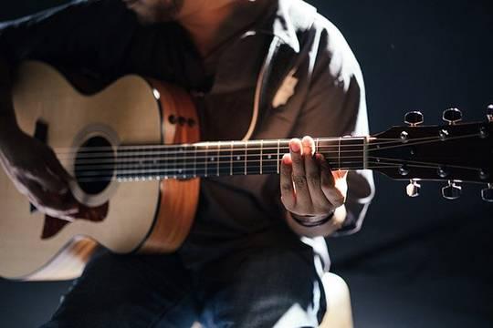 Ритм танго и других жанров музыкального искусства прозвучит на концерте Романа Зорькина