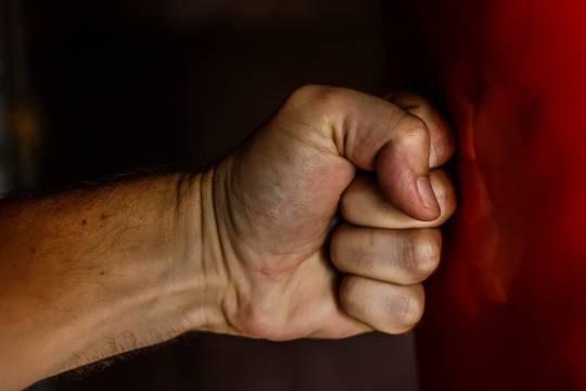 Россиянин показал неприличный жест и лишился жизни